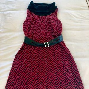 Ali Ra size 4 belted chevron dress